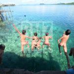 Sejumlah anak suku Bajo bermain usai bersekolah di Pulau Kabalutan, Kepulauan Togean, Tojo Unauna, Sulawesi Tengah. ANTARAFOTO/Basri Marzuki/18